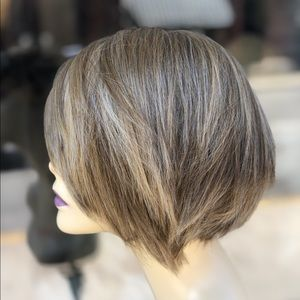 Accessories - Short Layers Blonde Bob Wig SidePart 2020
